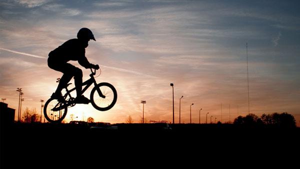 BMX Olympische Disziplin www.istockphotocom/photo_frye