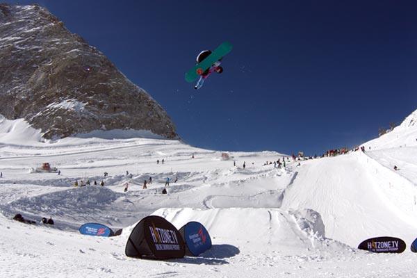 Snowboard Park Opening in Hintertux.  Foto: Eli