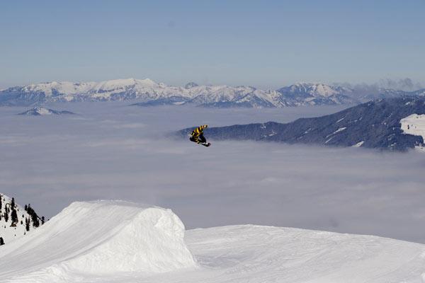 Action: Snowboard-Profi Benjamin Wetscher.  Foto: Christian Eli Eberl