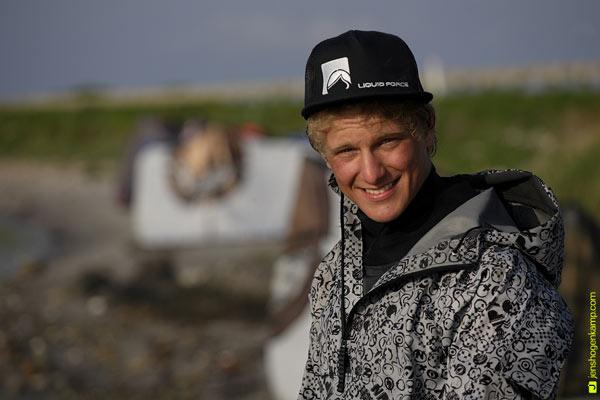 Kitesurfer Jan Schiegnitz im Porträt.  Foto: Jens Hogenkamp
