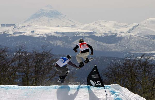 FIS Snowboard Cross in Chapelco, Argentinien.  Foto: FIS / Oliver Kraus