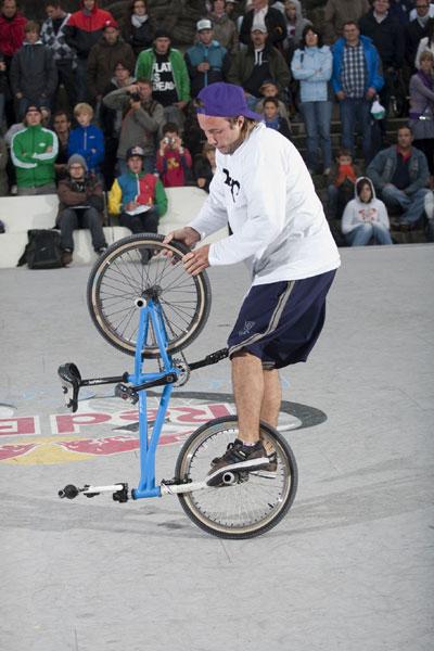 Matti Röse zeigt was er kann.  Foto: Red Bull, Kay Clauberg