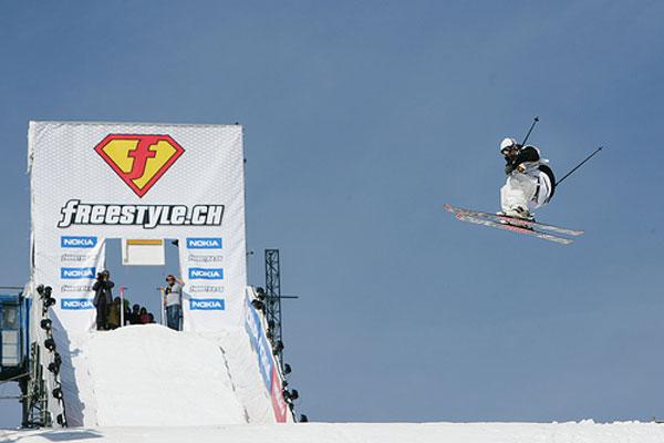 Freeskier beim freestyle.ch 2008.  Foto: Veranstalter