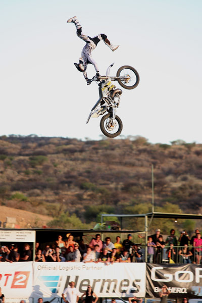 Night of the Jumps Namibia 2009: Brice Izzo (Fra).  Foto: Oliver Franke, Marko Manthey / IFMXF.com