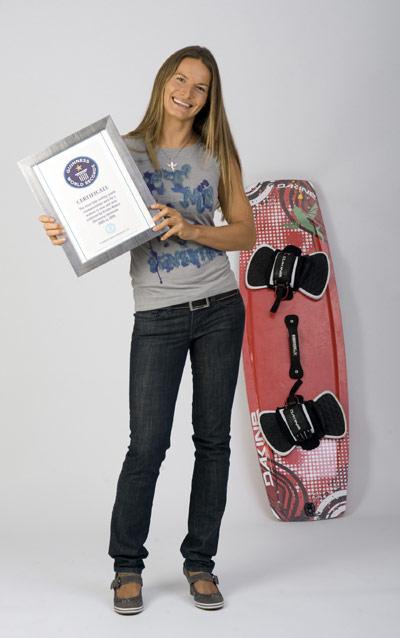 Kristin Boese stellt Kitesurf Weltrekord mit neun Weltmeisterschaftstiteln auf.