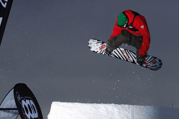 Snowboarder auf der Postwiese.  Foto: benjaminwiedenhofer.com