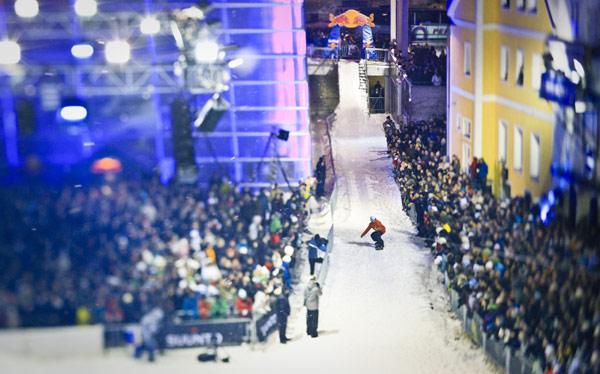 Red Bull Upside Down 2010: Snowboarder ließen Linz pulsieren Foto: Marcel Lämmerhirt Red Bull Photo Files