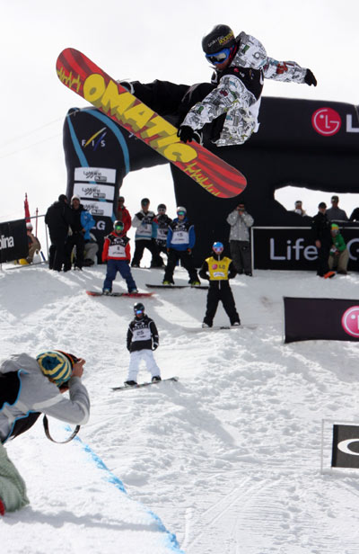 Frederik Austbo beim FIS Weltcup 2010.  Foto: FIS-Oliver Kraus