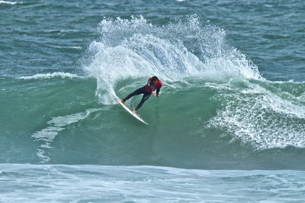 Jordy Smith bei den Cold Water Classics 2010 in Tasmanien.  Foto: Stu Gibson