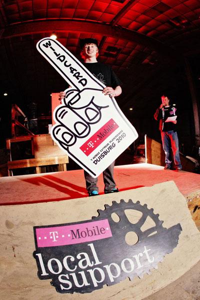 BMX Wildcard Gewinner Max Heidböhmer bei der Local Support Dirt Challenge 2010.  Foto: David Ulrich