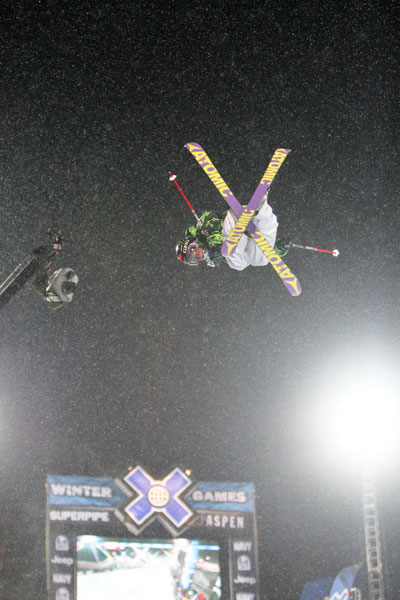 Jossi Wells bei den Winter X Games in der Superpipe.  Foto: Jeremy Condamine