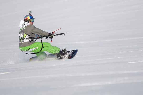 Snowkiter Ruben Lenten in Action.  Foto: Red Bull