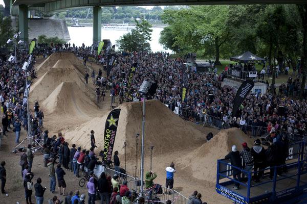 BMX Masters 2009.  Foto: Chris Van Hanja