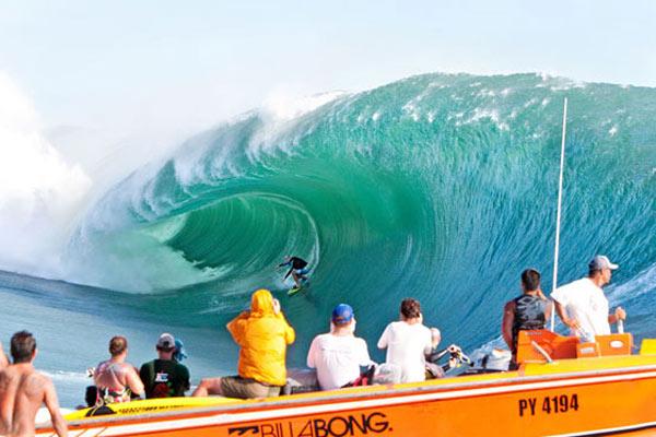 Shane Dorian surf auTahiti.  Foto: Fred Pompermayer/ BillabongXXL.com