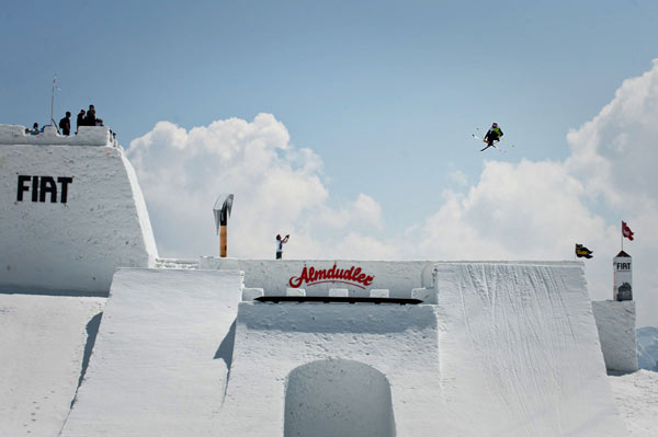 Paddy Graham beim Nine Knights Big Air Contest 2010.  Foto: Klaus Polzer