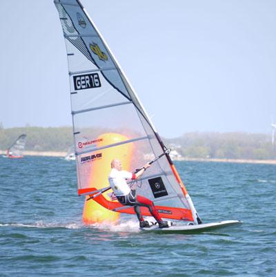 Bernd Flessner: Gewinner des Deutschen Windsurf Cups 2010 auf Rügen.  Foto: Veranstalter