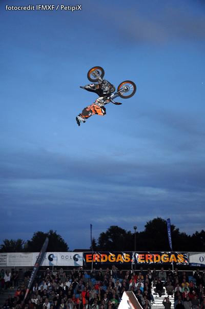 FMX-Rider Hannes Ackermann.  Foto: IFMXF/ PetipiX