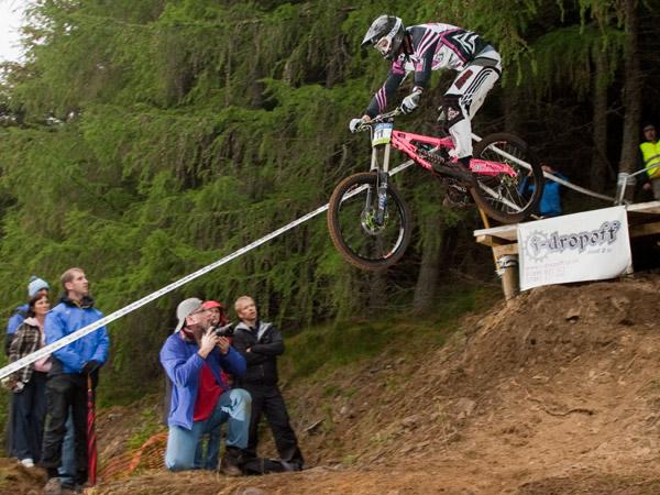 Auftakt des iXS European Downhill Cups in Innerleithen.  Foto: Thomas Dietze