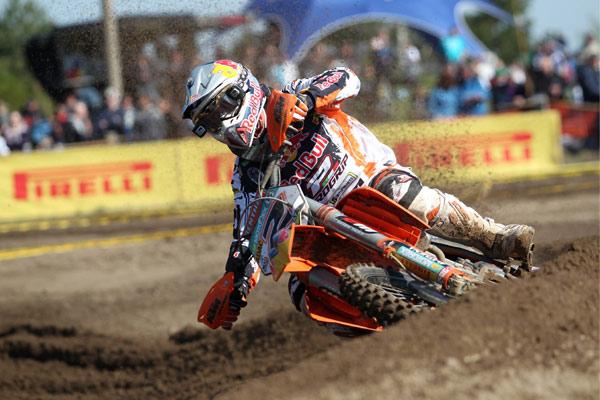 Maximilian Nagl auf seiner Maschine bei den ADAC MX Masters 2010.  Foto: Steve Bauerschmidt/ Sportpressefotos
