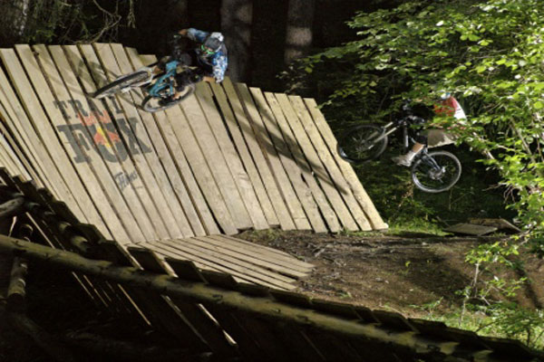 Mountainbiker in Flims.  Foto: Red Bull Photofiles