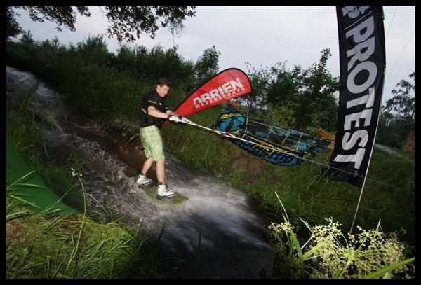 Winch Session beim Infinite Wakeboard Camp 2010.  Foto: Veranstalter
