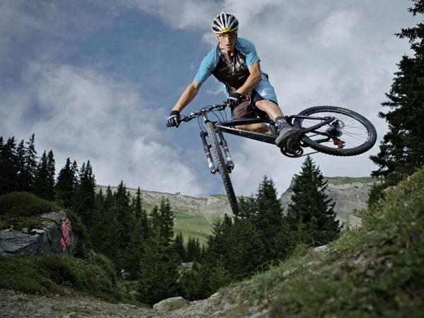 Nino Schurter wird beim Racer Bikes Cup in Flims an den Start gehen.  Foto: Veranstalter