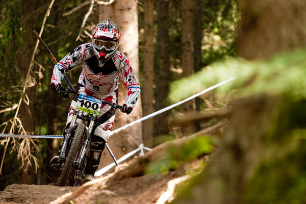 Der Brite Tracy Mosely beim iXS Downhill Cup 2010 in Leogang.  Foto: Thomas Dietze
