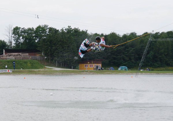 Rocco van Straten beim Wakeboard Cup 2010 am Planksee.  Foto: Veranstalter