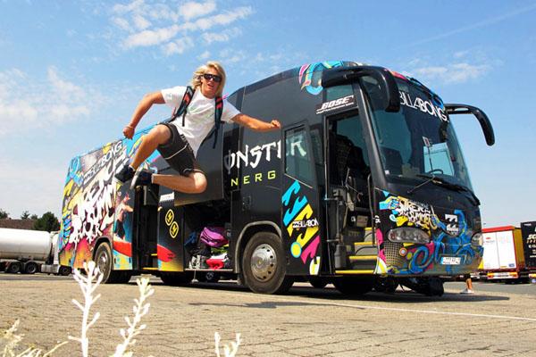 Stretch Your Summer Bustour, Billabong, NewSchnitzel.  Foto: Dominik Gührs