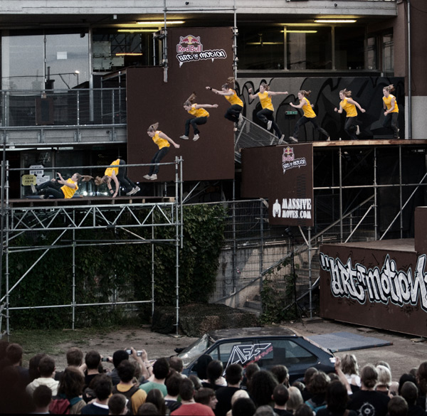 Freerunnerin Luci Romberg in Action.  Foto: Red Bull Photofiles