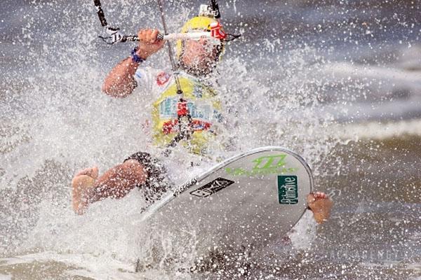 Kitesurf World Cup 2010 in St.Peter Ording.  Foto: Veranstalter