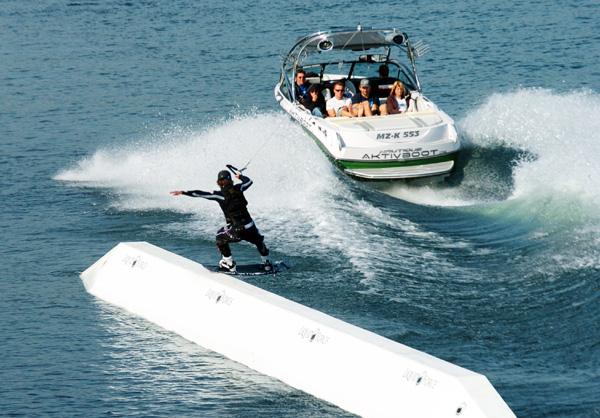 Deutsche Wakeboard Meisterschaft am Boot in Köln.  Foto: Veranstalter