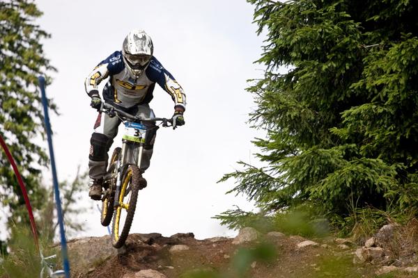 Marcel Beer iXS European Downhillcup Spicak 2010.  Foto: Veranstalter