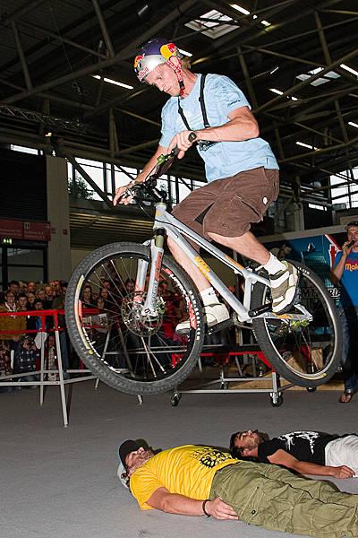 Thomas Öhler Bike Expo Indoor Trial.  Foto: Jan Miethke