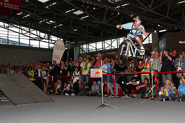 Thomas Öhler Bike Expo Indoor Trial.  Foto: Jan Miethke