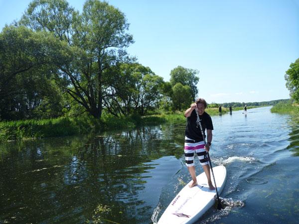 Erstumrundung Fehmarns mit einem Stand Up Paddle.  Foto: Veranstalter