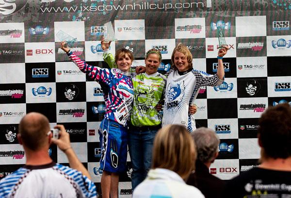 Siegerehrung beim iXS Downhill Cup 2010 in Châtel.  Foto: ixsdownhillcup.com