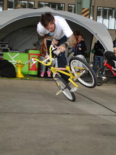 BMX-Action auf der You 2010.  Foto: infaction.de