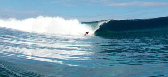 Nexo Rider Stephen Gallop auf Tahiti.