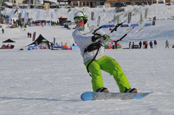 Snowkiten: Uni Cup am Reschensee 2010.  Foto: Brand Guides/Kiebler