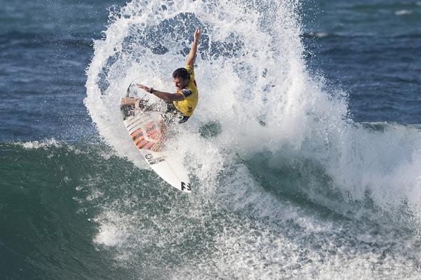 Joel Parkinson gewinnt den Reef Hawaiian Pro 2010.  Foto: ASP/ Scholtz