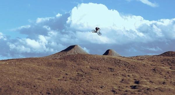 Framed: Mountainbike Pro trifft auf Iseseven-Filmer.  Foto: Felix Urbauer