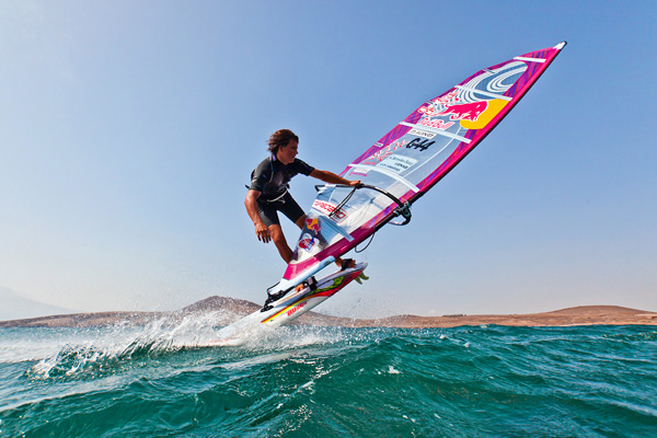 Windsurf-Wunderkind Philipp Köster.  Foto: Sebastian Schöffel Red Bull Photofiles