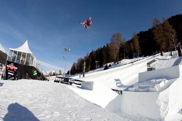 Elena Könz (Vna) fliegt mit einem BS 360 auf den 4. Platz.  Foto: O'Neill/Philippruggli.ch