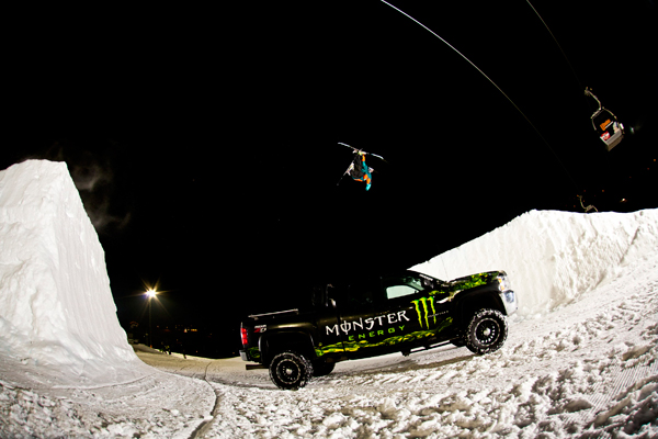 Freestyle Action im Nightpark.  Foto:  Christoph Schöch