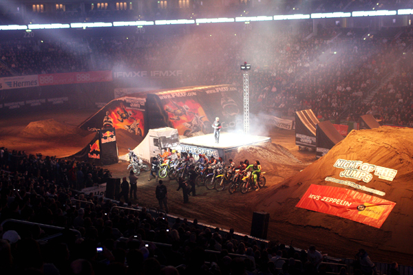 Riders Presentation bei der Night of the Jumps.  Foto: Oliver Franke / IFMXF.com