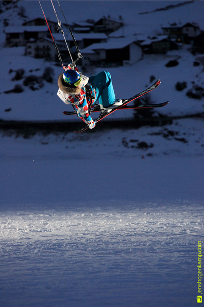 Snowkite-Action.  Foto: Jens Hogenkamp.