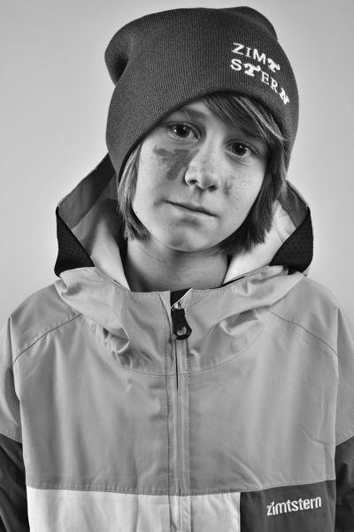 Snowboardkid Tim Hirsiger. Portrait by Zimstern
