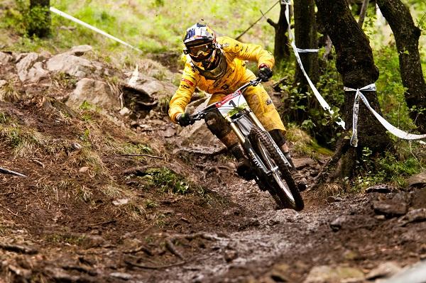 Nick Beer beim iXS Cup 2011 am Monte Tamaro.  Foto:  Thomas Dietze