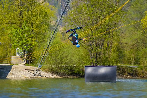 Wakeski Action am Inselsee Allgäu.  Foto: Veranstalter